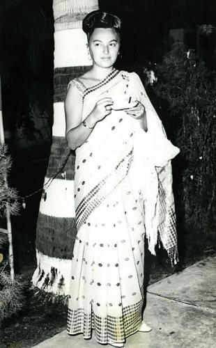 На дипломатических приемах супругу Наиду часто принимали за пакистанку (Пакистан, 1969 г.)