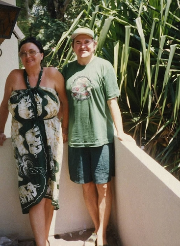На балконе своей резиденции в Коломбо (Шри-Ланка, 1993-1995 гг.)