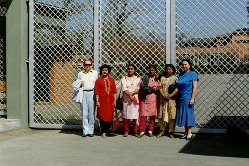 У ворот королевского дворца, Катманду, Непал (1991 г.)